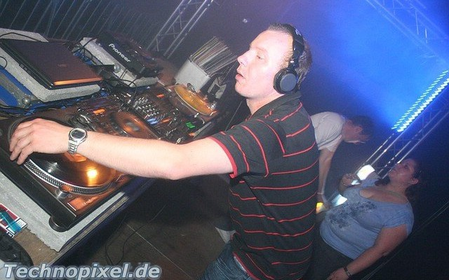 DJ Gibson Praise